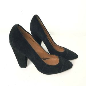 Delna & Ozzy Black Suede Pumps Sz 7 Leather Classi